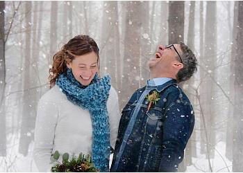 Sault Ste Marie wedding photographer Tammy Fiegehen Photojourney