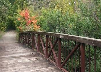Oakville hiking trail Taplow Creek Trail