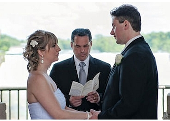 Niagara Falls wedding officiant The Wedding Company of Niagara