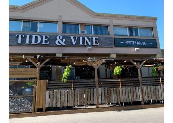 Niagara Falls seafood restaurant Tide & Vine Oyster House