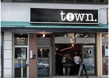 Ottawa italian restaurant Town Restaurant