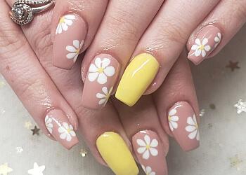 Cambridge nail salon Town's Nails & Spa