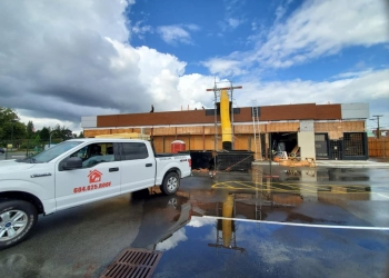 Abbotsford roofing contractor Tudor Roofing & Restoration Inc.