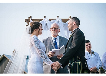 Niagara Falls wedding officiant Two Become One Wedding