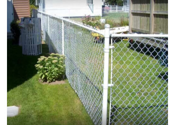 Welland fencing contractor VANDUZEN FENCE & POST