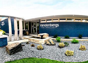 Winnipeg jewelry Vandenbergs Fine Jewellery