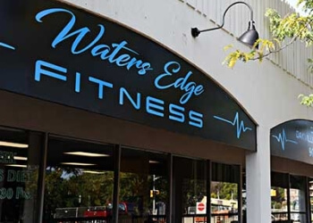 Oakville gym Waters Edge Fitness