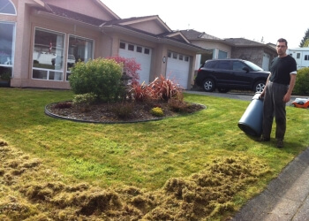Nanaimo lawn care service Watts Mowing