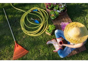 Saskatoon lawn care service Weed Man