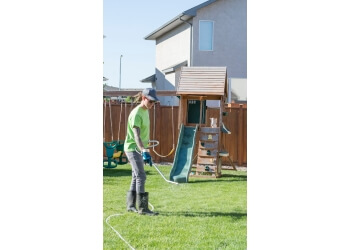 Regina lawn care service Weed Pro
