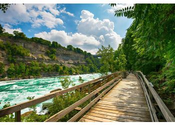 Niagara Falls hiking trail White Water Walk