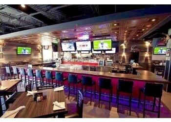 Brossard sports bar Windsor Hyper Bar & Grill