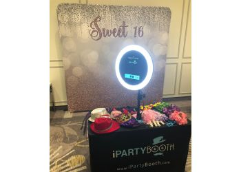 Montreal photo booth company iParty Booth Inc